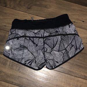 LULULEMON womens shorts (rare pattern)